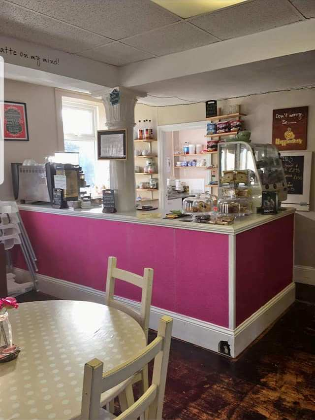Porters Prep & Play Coffee Shop 25 Beach Road South Shields NE33 2QA Interior